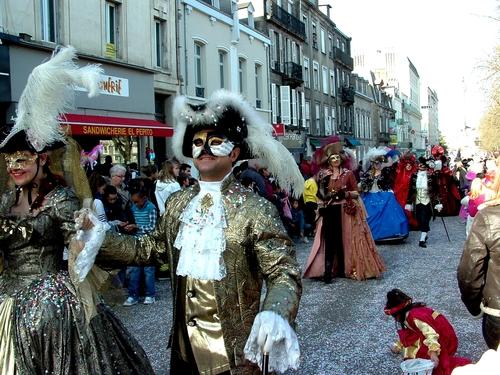 Carnaval de Limoges 2013, le défilé des maques de Venise, un petit air vénitiens.