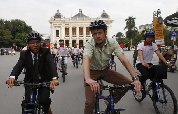 Frederik à vélo
