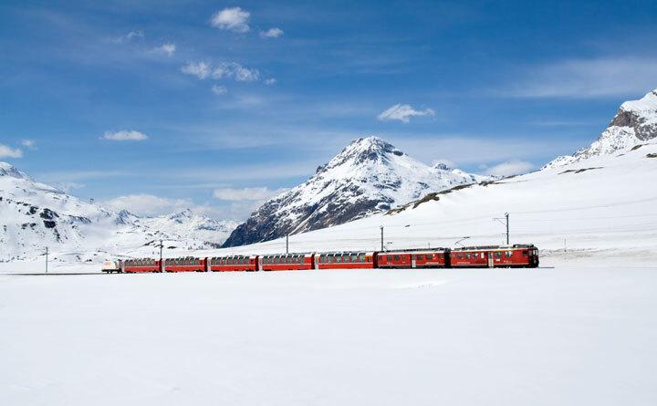 embarquez-a-bord-de-ces-trains-qui-sillonnent-les-alpes-pour-un-voyage-a-flanc-de-montagne-epoustouflant14