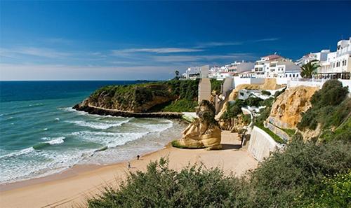 Optez pour Faro pour vos vacances au soleil
