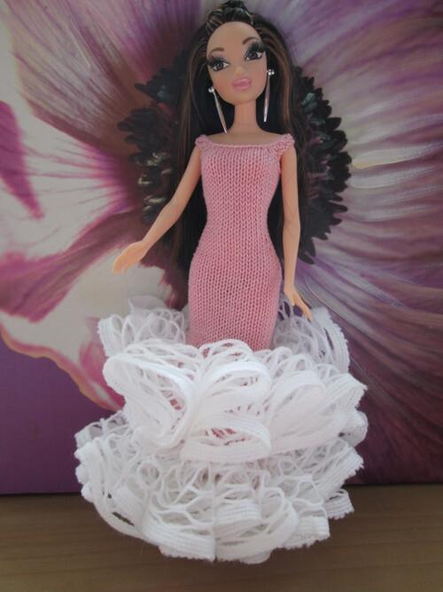 Robe longue froufrous pour barbie