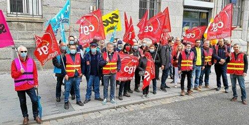 « Le ras-le-bol » des salariés de La Poste, en grève ce mardi à Brest. ( LT.fr - 22/06/21 - 12h27 )