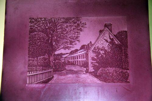 Les sources les plus anciennes de l'installation de moulins sur le Grand-Morin remontent au 16ème siècle. Déjà, des moulins à papier étaient construits entre Jouy-sur-Morin et Coulommiers. Parmi ces moulins, celui de Sainte-Marie, ou du Gué-Josson, prit une certaine ampleur.  En 1785, Louis Delagarde, propriétaire des Papeteries du Marais, devint gérant des papeteries d'Arches dans les Vosges, près d'Epinal. De 1791 à 1795, les assignats sont fabriqués à Jouy-sur-Morin. Peu à peu ces unités de fabrication se modernisèrent et les machines à papier remplacèrent la fabrication manuelle.  En 1828, Félix Delagarde fonde les « Papeteries du Marais et de Sainte-Marie ». Cette société comprend alors treize moulins. En 1953, les usines d'Arches, de Johannot, du Marais et de Rives fusionnent en une seule société : ARJOMARI. ARJOMARI a désormais intégré le groupe international ARJO-WIGGINS APPELTON, et l'usine s'est spécialisée dans la production de papiers spéciaux. Depuis, l'unité de production a intégré le groupe canadien CASCADES.  A l'exception d'une seule unité, les usines de groupes présents dans la vallée sont aujourd'hui fermées. Deux d'entre elles, situées à Boissy-le-Châtel, connaissent une reconversion en étant investie par la Galleria Continua, galerie privée d'art contemporain, et par Lucy et Jorge Orta, plasticiens contemporains, qui y fabriquent et y déploient leurs installations.