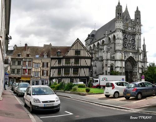 La collégiale de Vernon dans l'Eure (27)