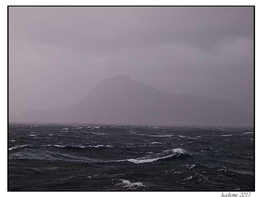 """Résultat de recherche d'images pour """"photo du cap horn dans la brume"""""""