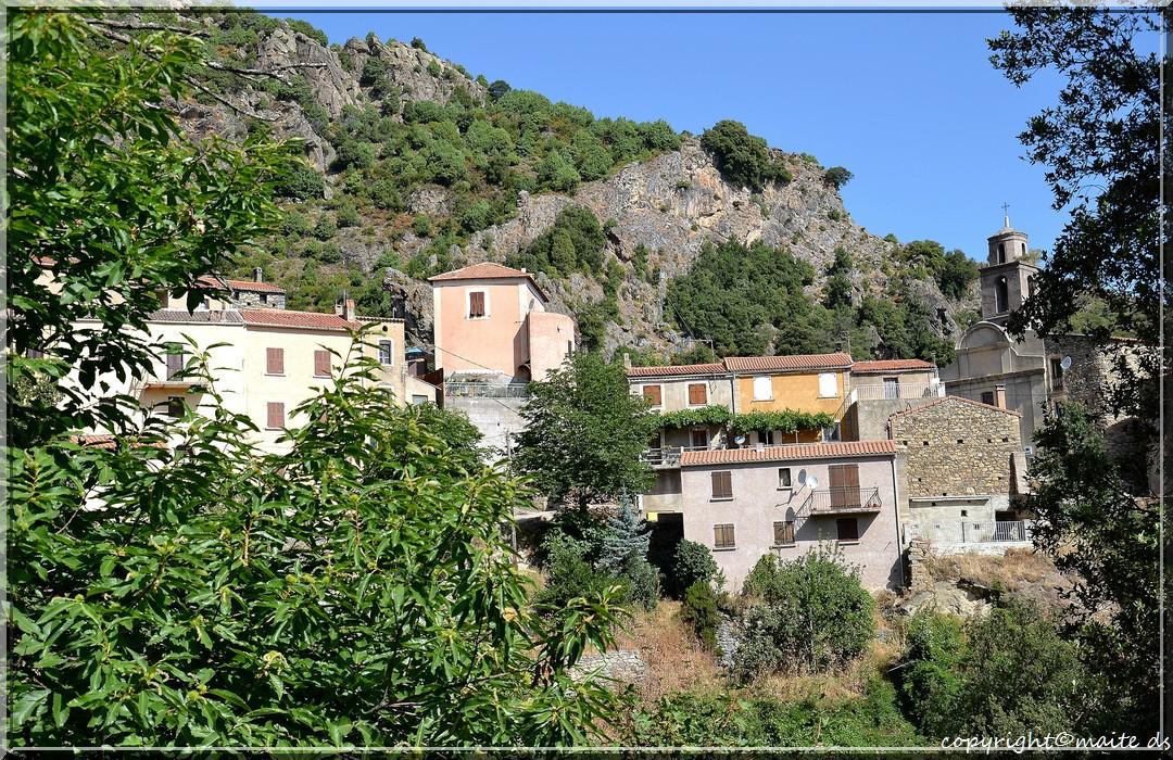 Popolasca (2) - Le village