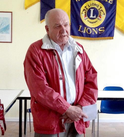 Remise de chèques aux associations de la ville par le Lions Club de Châtillon sur Seine