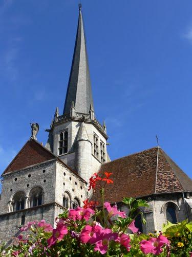 Gigny  (89 )  et les clochers TORS .