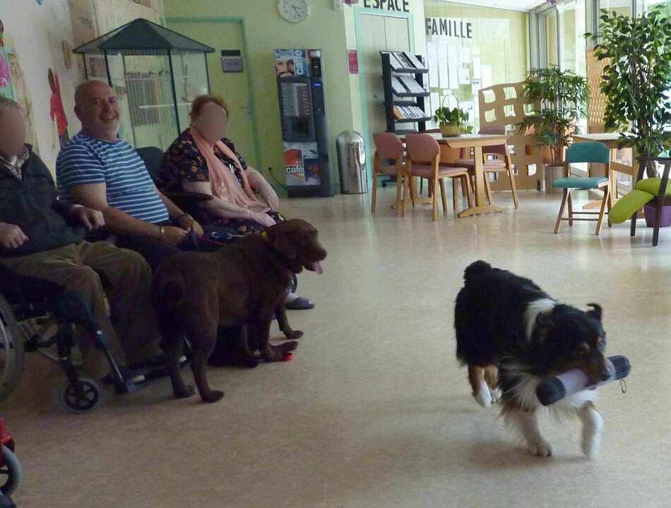 Visite à la maison de retraite de Mareuil Juin.