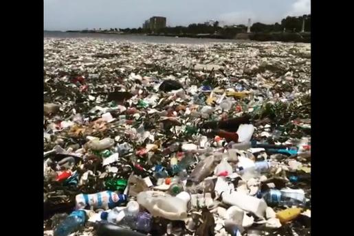 Marée de déchets plastiques...