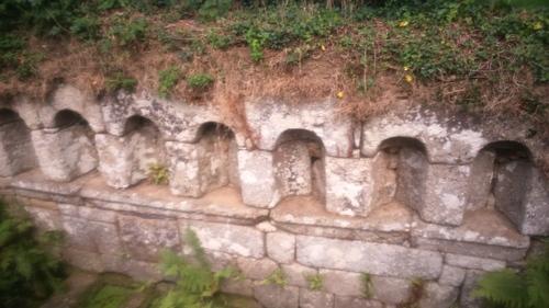 -La fontaine des sept Saints (Bulat-Pestivien)