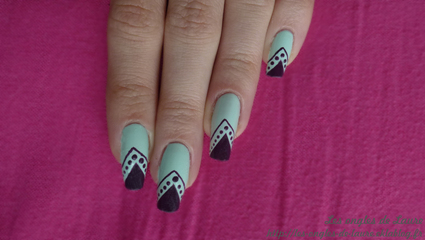 Nail Art au scotch et petits points