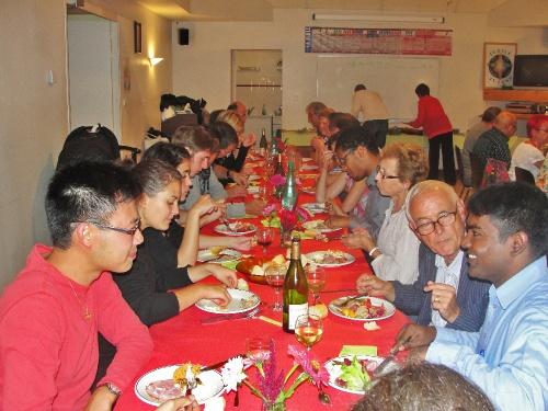 Un repas amical offert à ceux qui aident l'Association Saint Vorles..
