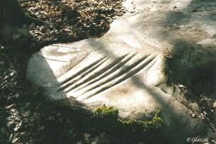 Les polissoirs néolithiques du canton de Pont-sur-Yonne