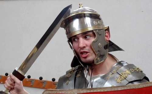 La légion VIII Augusta a marché entre Bibracte et Alésia !