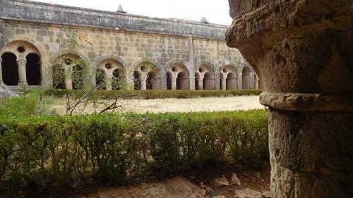 Cloître de l'abbaye du Thoronet
