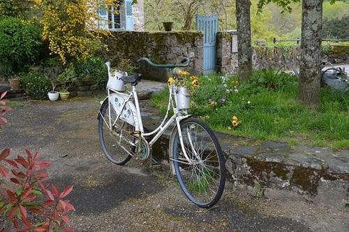 ... recyclage d'une bicyclette...