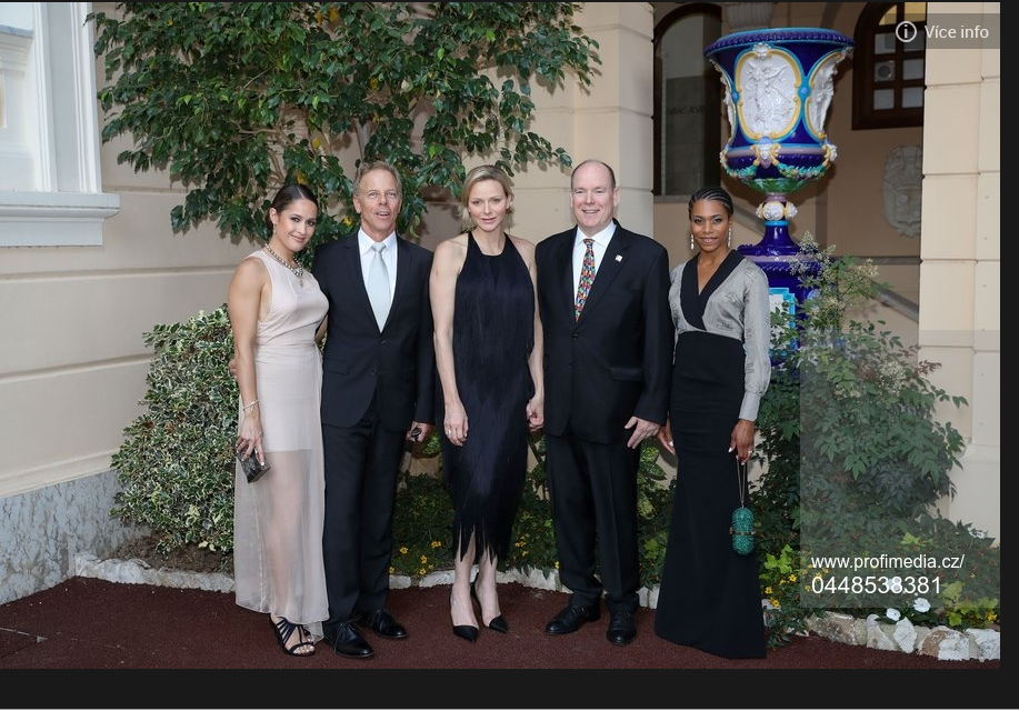 prince Albert et princesse Charlene au cocktail dimanche 16 juin avec les artistes du festival tv