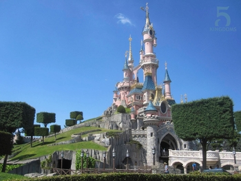 5kingdoms_disney_onlyin_taniere_entrances_full