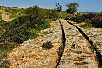 Les mystérieuses ornières de Malte ...
