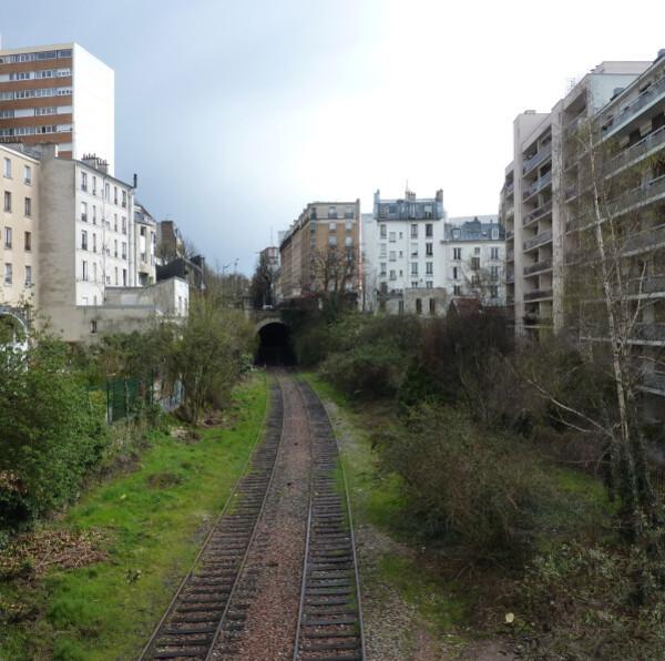 38---Le-chemin-de-fer-de-la-petite-ceinture.jpg