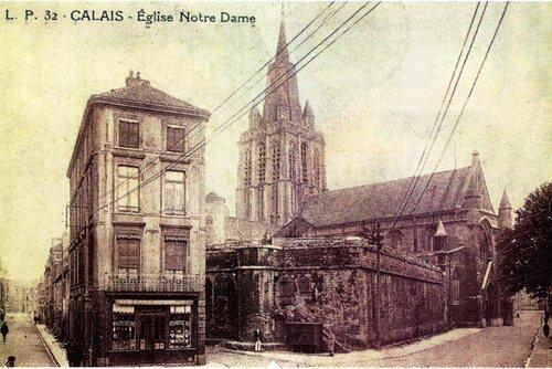 L'église Notre-Dame et sa citerne