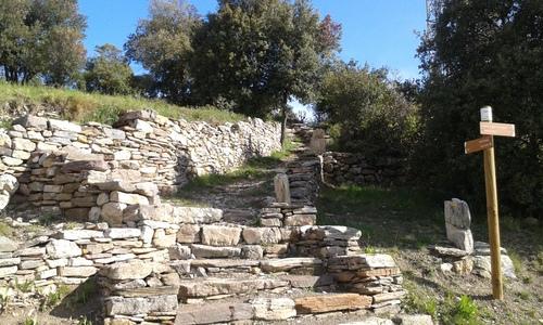 Le sentier de Marbrières Félines Minervois (Aude) le 1er mai 2016
