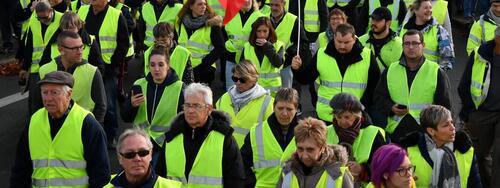 """Zéro SDF, retraites, salaire maximum… Découvrez la liste des revendications des """"gilets jaunes"""""""