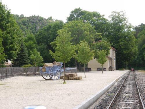Voilà une ancienne gare Colombier le vieux - St Barthélémy le Plain