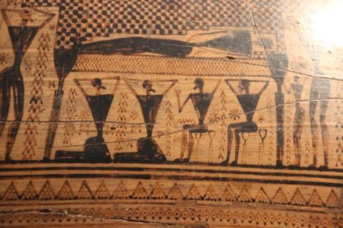 Au musée archéologique d'Athènes : peinture et poteries mycéniennes