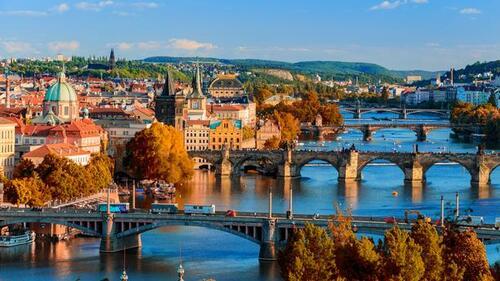 PRAGUE (1996)
