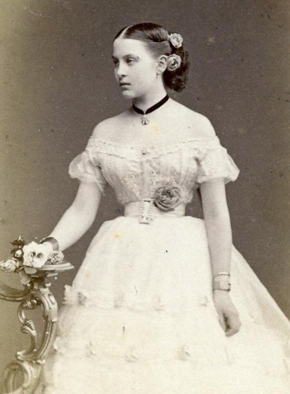Reine Olga de Grèce (1851-1926) fille du grand-duc Constantin de Russie et de la grande duchesse Alexandra de Saxe-Altenbourg: