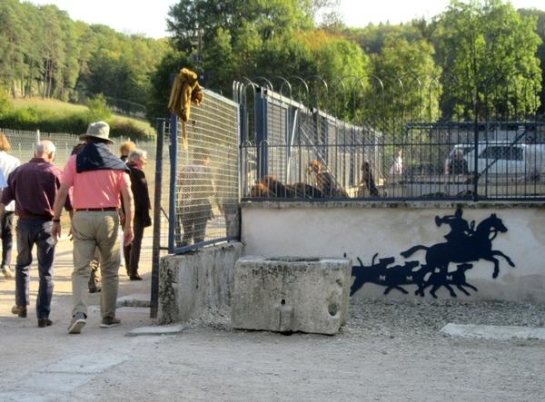 Les Amis du Musée ont visité le musée de la vénerie du Val des Choues...