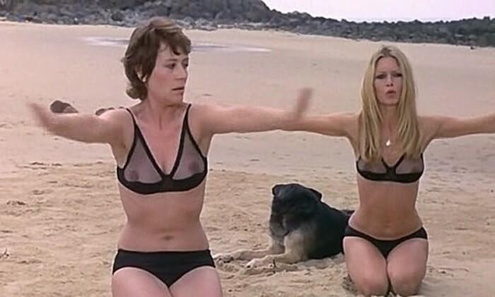 BRIGITTE BARDOT - ANNIE GIRARDOT- LES NOVICES - 1970