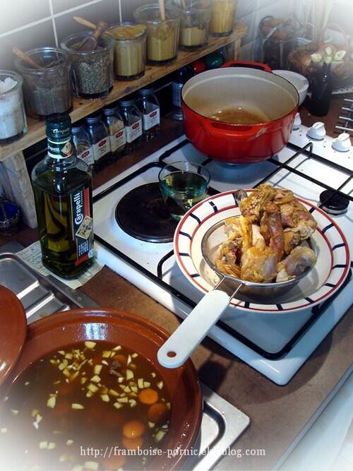 Poulet doré à l'ail, miel et safran.