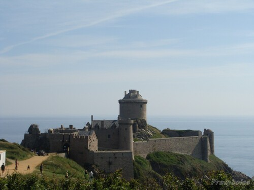 chateau fort La latte