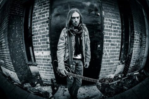 "REX BROWN - ""Buried Alive"" (Clip)"