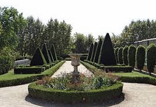 Eglise Notre-Dame de Marmande et son jardin  (Lot-et-Garonne)