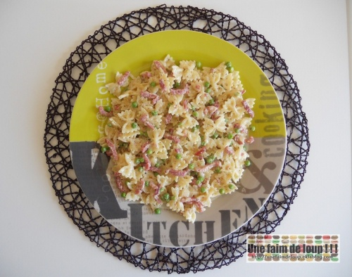 Farfalles bacon / petits pois sauce fromage ail et fines herbes