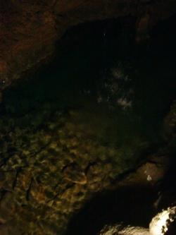 Dans la salle du lac vert ,profondeur 2m.