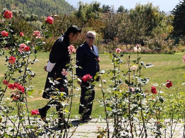 Jigme Khesar Namgyel Wangchuck reçoit