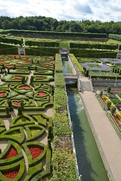 ... oh, quel beau jardin...!