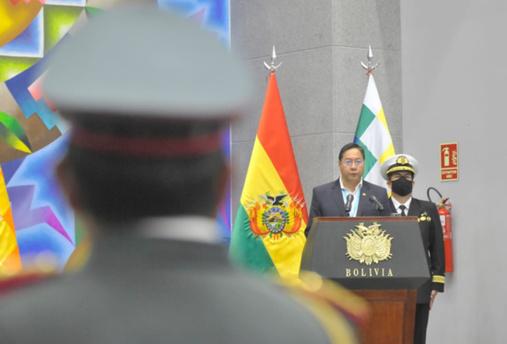 Le président bolivien Luis Arce limoge l'ensemble du haut commandement militaire