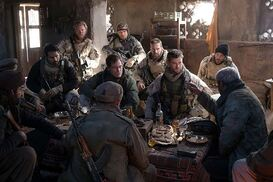 Horse Soldiers : Photo Chris Hemsworth, Michael Peña, Michael Shannon