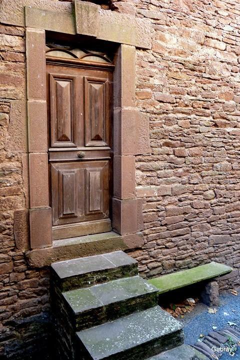i07---Banc-et-escalier.JPG