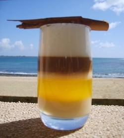 Je vous présente le Barraquito, une spécialité des îles Canaries
