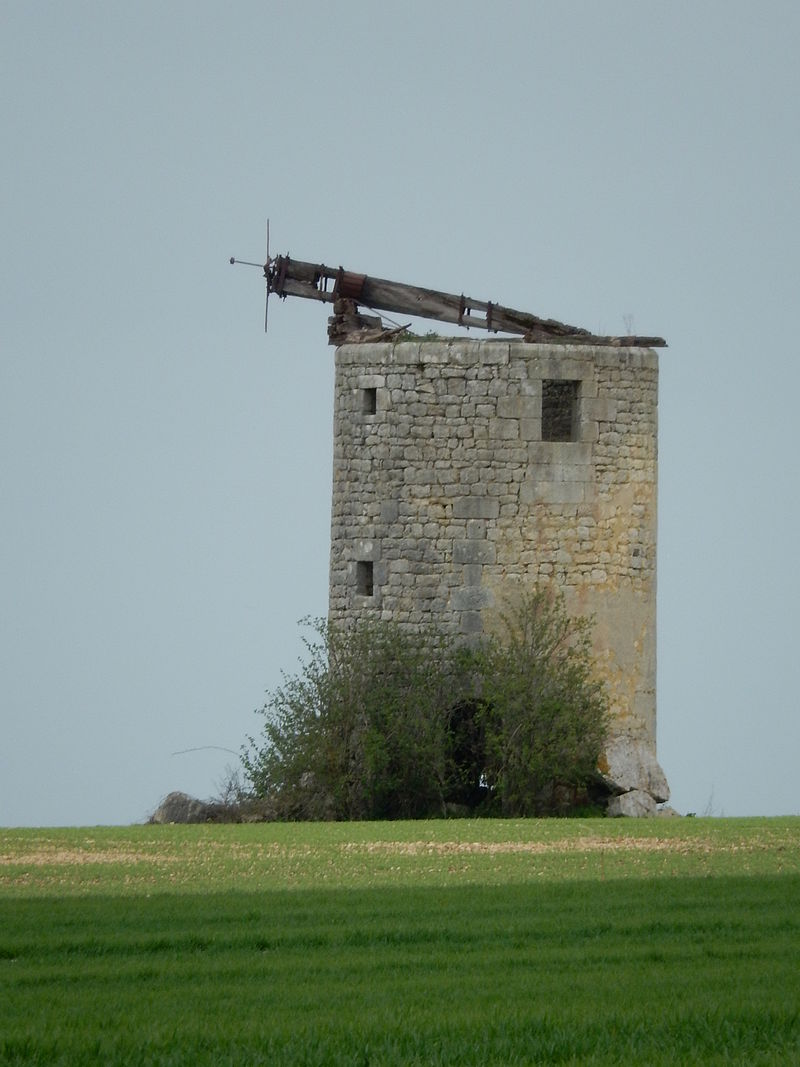 FR 17 Les Nouillers - Moulin.JPG