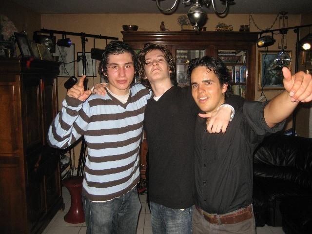 Un trio.... mais ? ils ont remplace les colombiens...