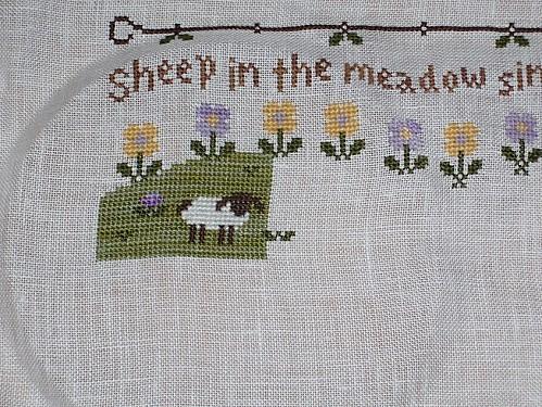 SAL-sheep-in-the-maedow-04-bis.JPG