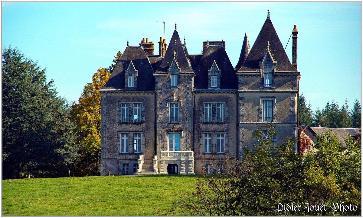 (85) Vendée - Dompierre sur Yon (1) - Château du Rortheau